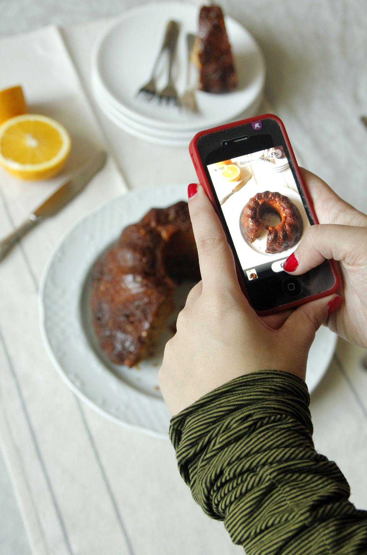עוגת שמרים מקמח מלא במילוי אגוזים מתובל עם סירופ תפוזים