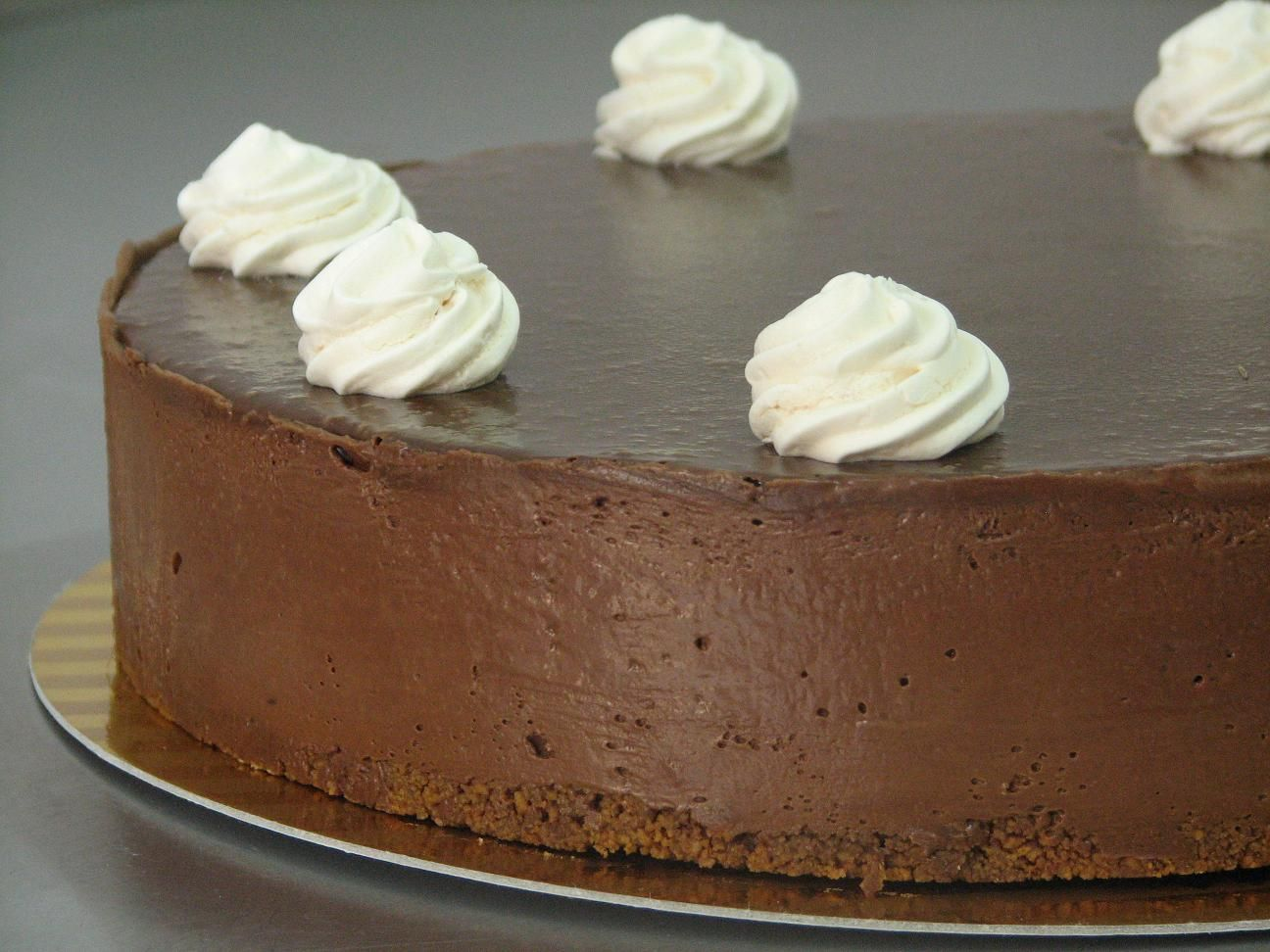 עוגת מוס שוקולד ומרנג