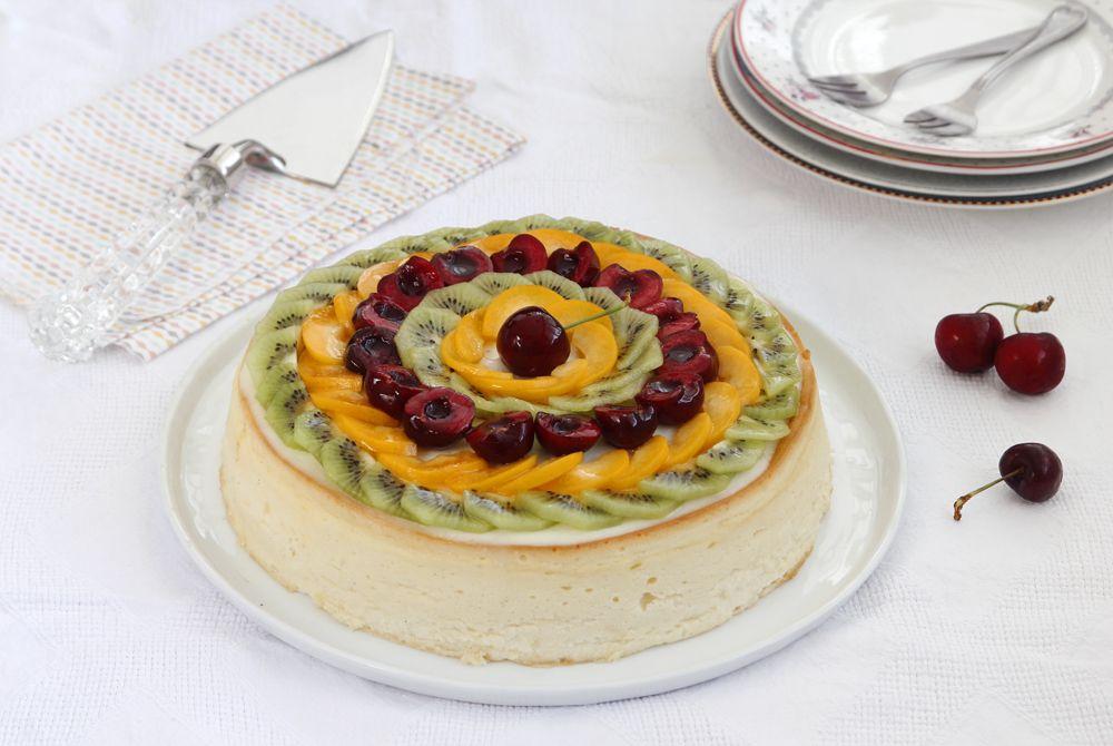 עוגת גבינה אפויה עם פירות