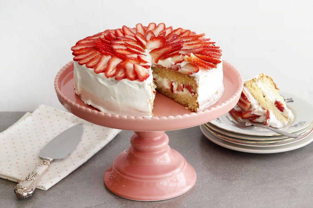 עוגת תותים עם קצפת וניל