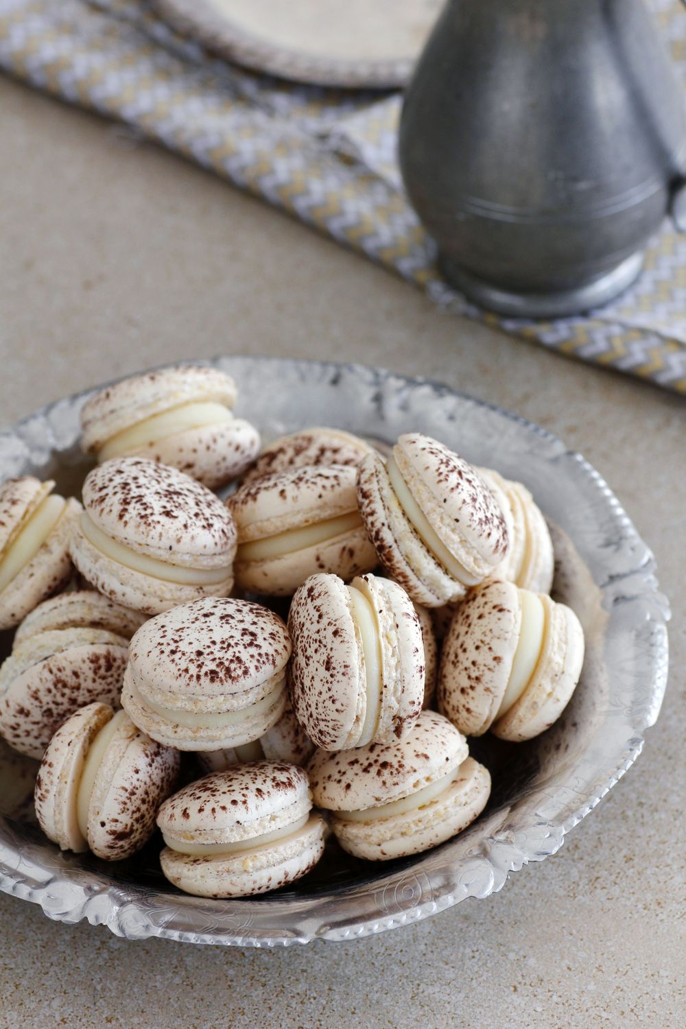 coconut_and_cocoa_macarons-s