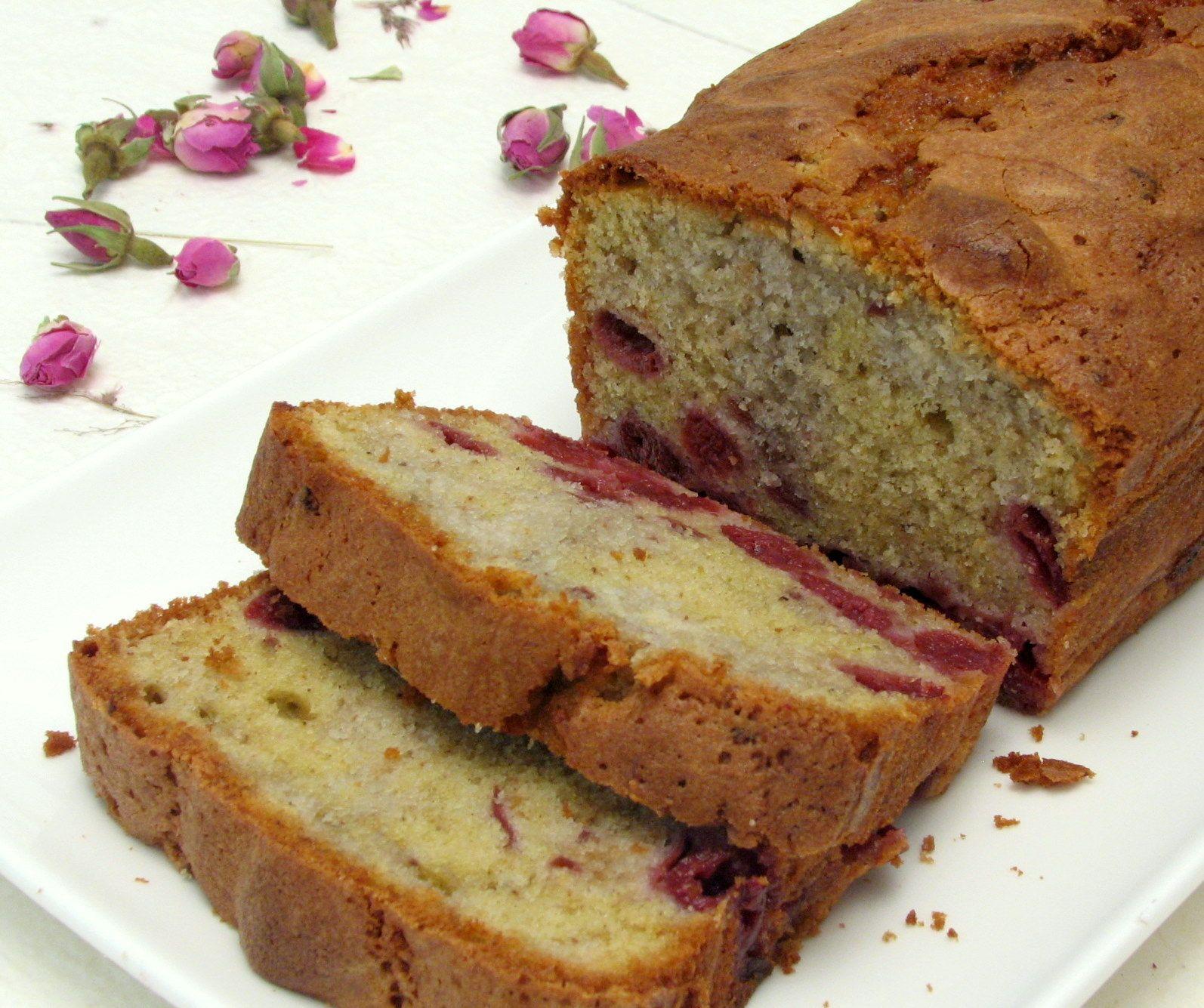 עוגת שיש פיסטוק ודובדבנים