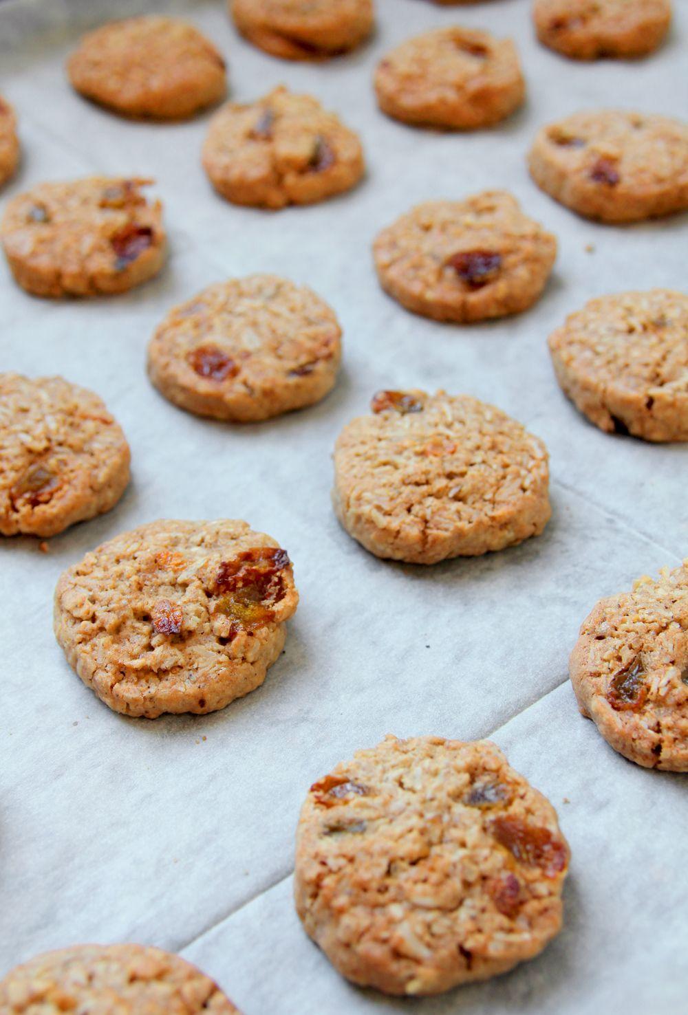 עוגיות שיבולת שועל, שקדים וצימוקים