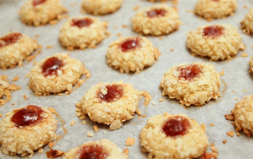 עוגיות שקדים וריבה