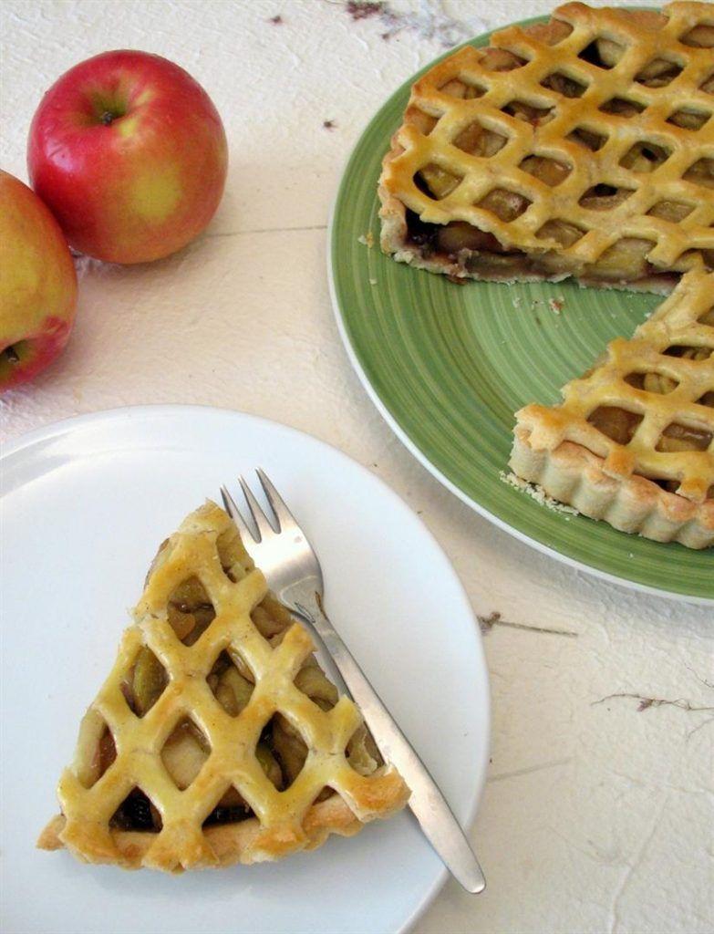פאי תפוחים עם קונפיטורת פטל