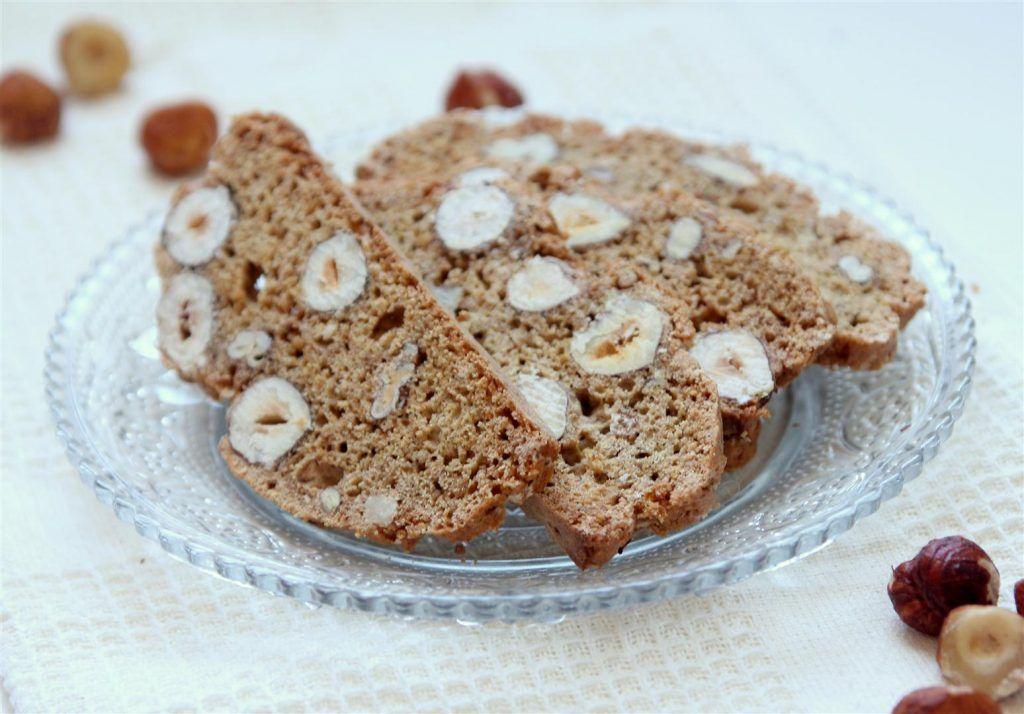 העוגיות של גילי: ביסקוטי מקמח מלא עם המון אגוזים