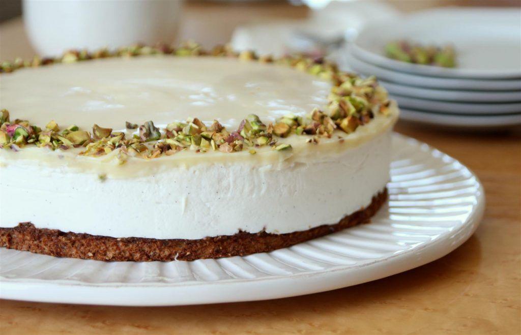 עוגת מוס גבינה עם פיסטוק ולימון