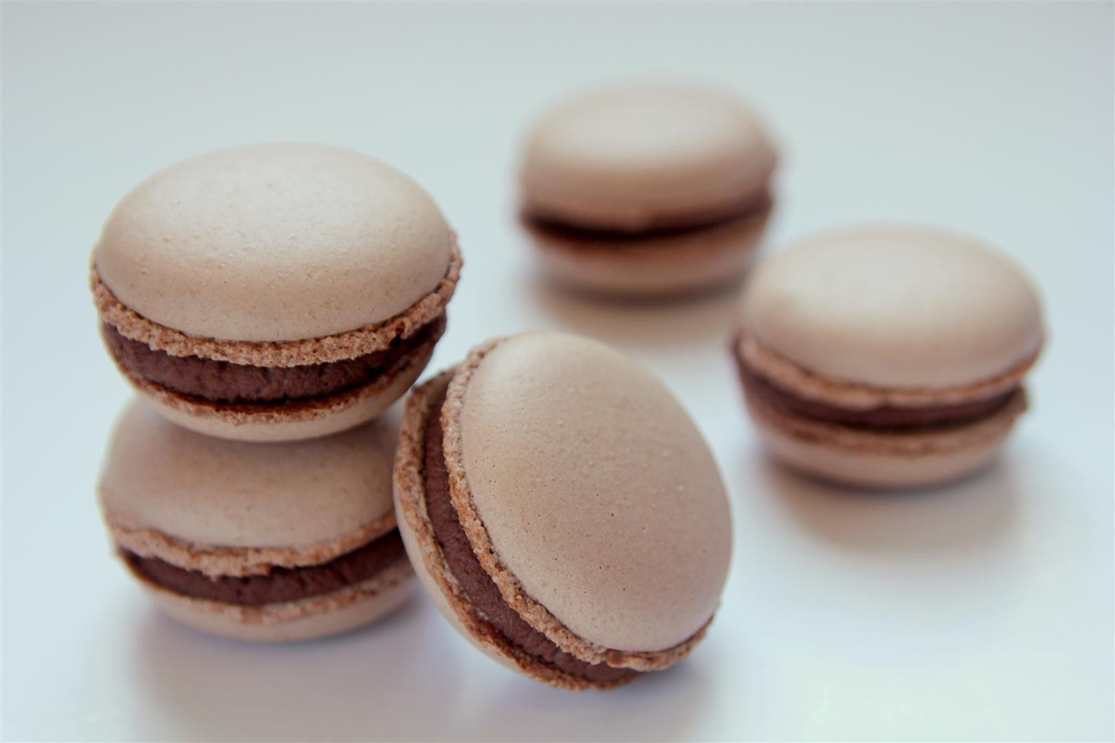 מקרון אספרסו ושוקולד