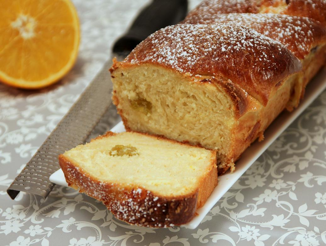 עוגת שמרים במילוי גבינה וצימוקים