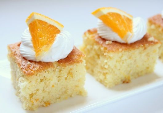 עוגת תפוזים וסולת עם שקדים