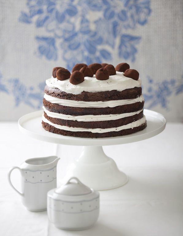 עוגת שכבות שוקולד עם קרם מסקרפונה וטראפלס