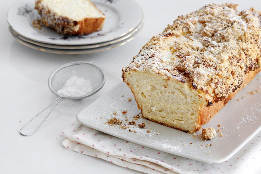 עוגת שמרים גבינה ופירורים