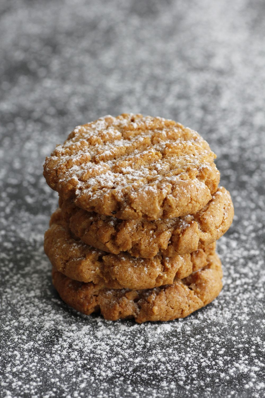 Cornmeal Peanut Butter Cookies | Lil' Cookie