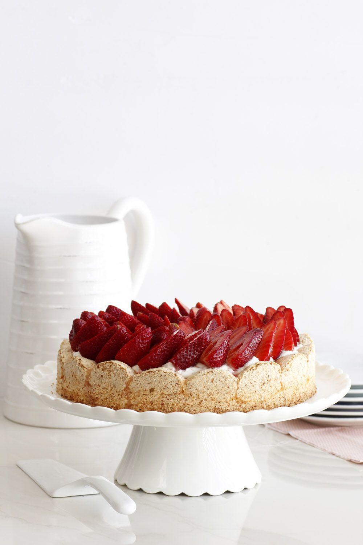 Flourless Mascarpone Strawberry Cake