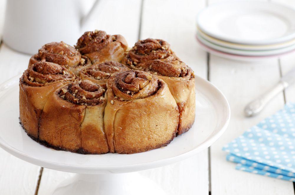 עוגת שמרים טבעונית במילוי קינמון ופקאן