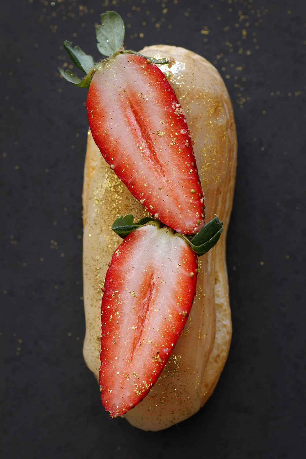 champagne_strawberry_eclairs2-s
